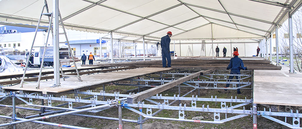 Scaffolding as a basis for the foundation of the pavilion
